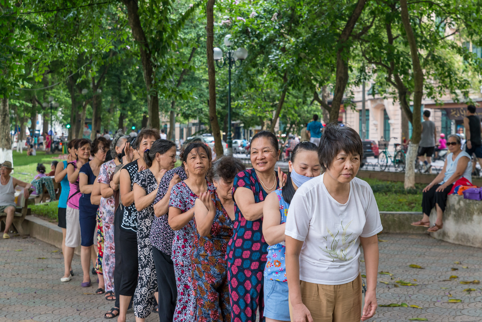 hanoi women exercising